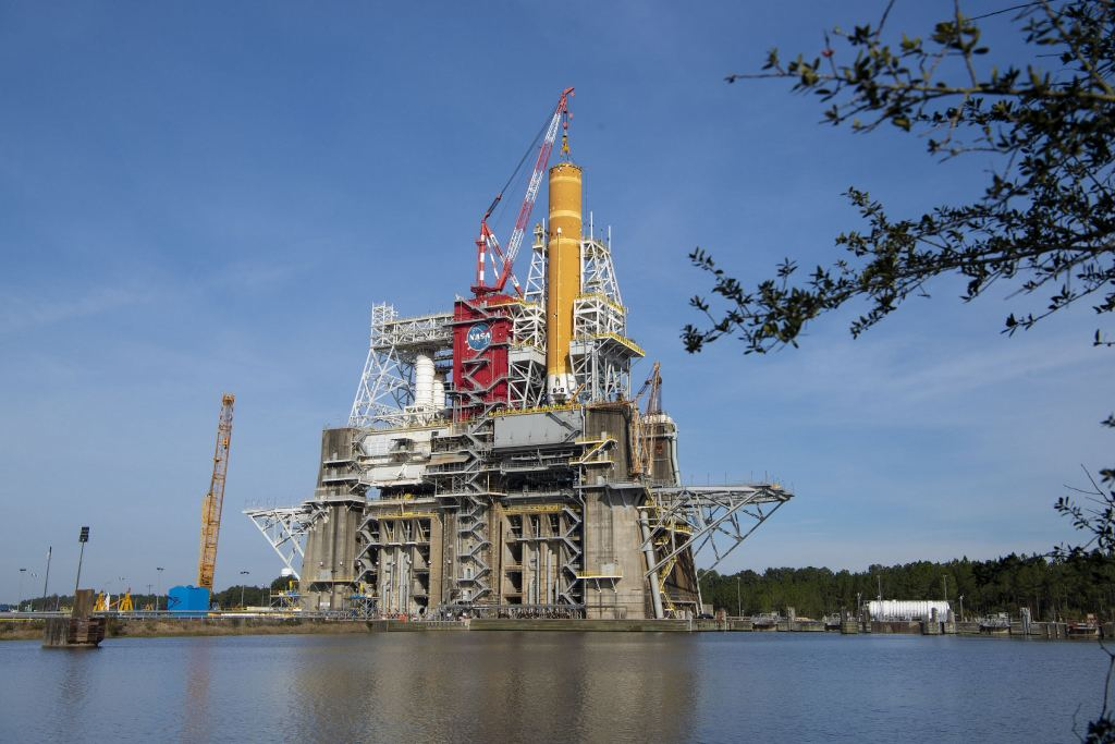 The Space Launch System performs a dramatic hot fire test, detonating all four engines simultaneously
