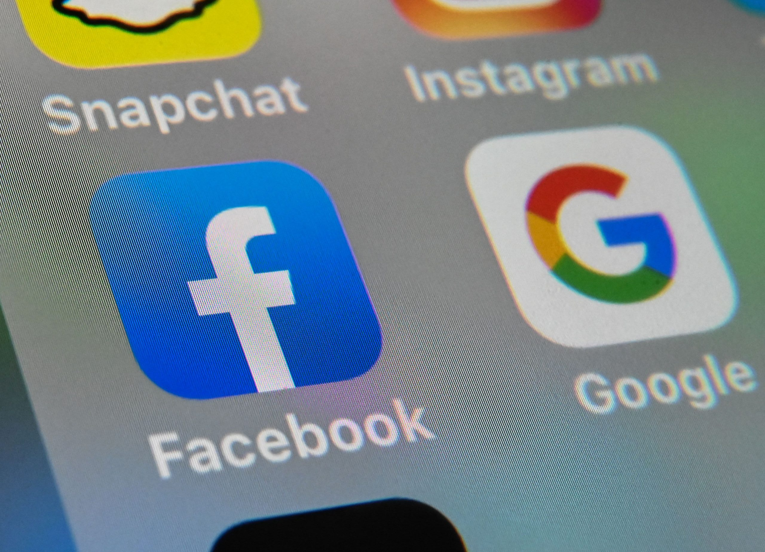 Facebook news circulates in the UK as tech giants start paying for the press
