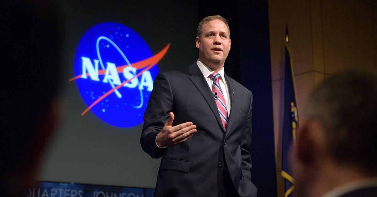 """Jim Bridenstine leaves Artemis """"in good shape"""" for NASA Biden"""